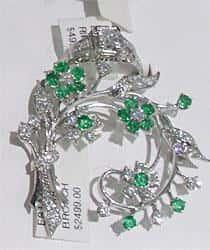 Exquisit platinum broach